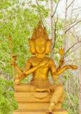 Guld- staty av Brahma Arkivbild