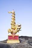guld- staty för drake Royaltyfria Bilder