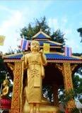 Guld- staty för Pra Siwalee Buddha Royaltyfria Foton
