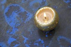 guld- stearinljus Arkivfoton