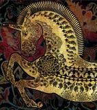 Guld- stiliserad profilenhörning på mönstrad bakgrund Fotografering för Bildbyråer