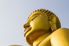 guld- stora buddha Royaltyfri Fotografi