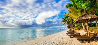 Guld- strand för solnedgången Mauritius ö Royaltyfria Bilder