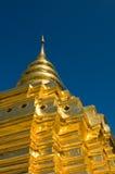 Guld- stupa arkivfoto
