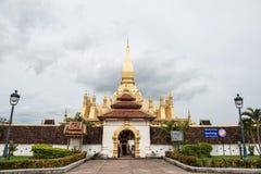 Guld- stupa i Laos Royaltyfri Bild
