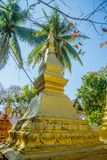 Guld- stupa Luang Prabang laos Arkivfoton