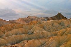 guld- sunbeams för kanjon Arkivfoto