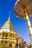 Guld- suthep för pagodatempeldoi Royaltyfri Fotografi