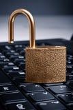 guld- tangentbordpadlock för dator Royaltyfria Foton