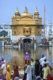 Guld- tempel av Amritsar - Punjab - Indien Arkivfoto