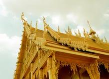Guld- tempel, den guld- templet Royaltyfri Bild