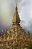 Guld- tempel laos arkivbild