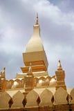 Guld- tempel laos Royaltyfria Bilder