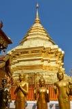 Guld- tempelWat phra som i Doi Suthep, Chiang Mai, Thailand Arkivfoto