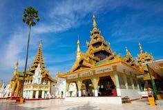 guld- tempel yangon för myanmar pagodashwedagon Royaltyfria Foton