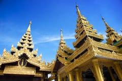 guld- tempel yangon för myanmar pagodashwedagon Fotografering för Bildbyråer