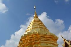 Guld- tempelpagod Arkivfoton