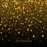 Guld- textur av blänker i formen av hjärta på en svart bakgrund bakgrundsfärger semestrar röd yellow Guld- kornig abstrakt textur Arkivbilder