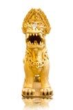 guld- thai lionstaty Royaltyfri Foto