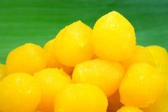 Guld- thailändsk söt efterrätt Royaltyfri Fotografi