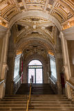 Guld- trappuppgång i Doge&en x27; s-slott, Venedig - Italien Arkivfoton