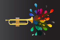 Guld- trumpet med abstrakta färgrika blommor Arkivbild