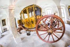 Guld- vagn i den Fasanerie slotten i Eichenzell Royaltyfria Bilder