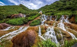 guld- vattenfall arkivbilder