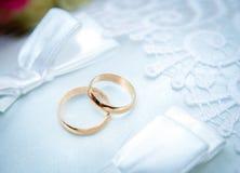Guld- vigselringar Royaltyfri Foto