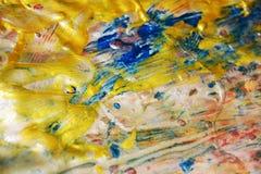 Guld- violetblått målar textur, vaxartad abstrakt bakgrund, livlig bakgrund för vattenfärgen, textur Arkivbilder