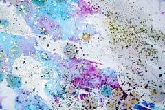 Guld- violetta vaxartade färgrika former och mousserande ljus, abstrakt bakgrund Fotografering för Bildbyråer