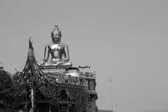 Guld- vit för triangelChiang Rai Buddha svart Royaltyfria Foton