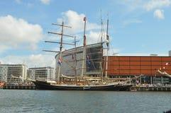 Gulden Leeuw που αποχωρεί από το Μπέλφαστ Στοκ Εικόνες