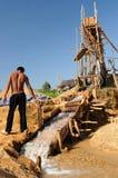 Guldgrävare i Indonesien på en ö Borneo Royaltyfria Foton