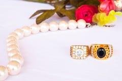 guldpearcirklar Royaltyfri Fotografi