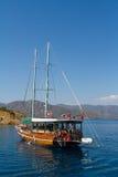 Gulet auf den 12 Inseln kreuzen nahe Fethiya lizenzfreie stockfotos