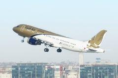 Gulf Air tar av Fotografering för Bildbyråer