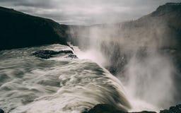 Gulfoss瀑布在有光滑的水很长时间曝光的冰岛 库存照片