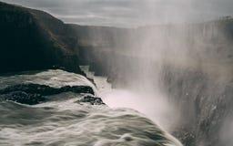 Gulfoss瀑布在有光滑的水很长时间曝光的冰岛 免版税图库摄影