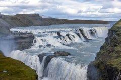 Gulfoss tombe en Islande Photos stock