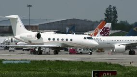 Gulfstream G450 vóór start stock videobeelden