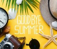 Guling B för semester för ferie för resande för lägenhet för farvälsommartext lekmanna- arkivbilder