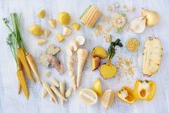 Guling färgad frukt och veg Arkivbilder