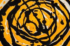 Guling- och svartmålarfärgabstraktion Royaltyfri Fotografi