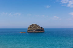 Gull Rock Trebarwith Strand Cornwall near Tintagel Royalty Free Stock Photos