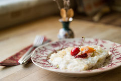 Gullac/Ramadan Dessert tradicional turco fotografia de stock royalty free