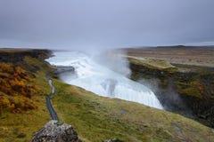 Gullfoss é uma cachoeira surpreendente situada na garganta do rio de Hvita no sudoeste Islândia Imagem de Stock Royalty Free