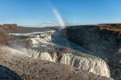 Gullfoss понижается в Исландию Одно из самых известных падений в Исландию Радуга Стоковая Фотография RF