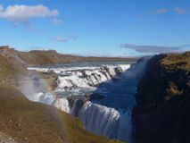 Gullfoss - cascata ed arcobaleno in Islanda fotografie stock