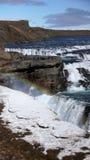 Gullfoss ijzige waterval en regenboog stock foto's